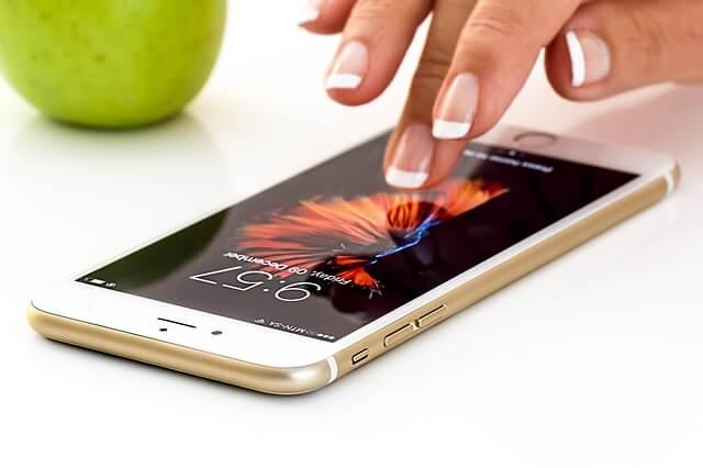 Samsung mit Qi-Ladegerät kabellos Laden